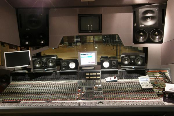 2 72 - channel Neve Console